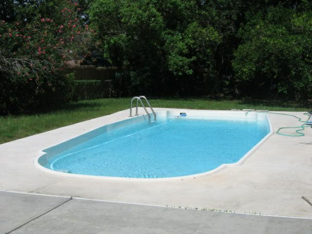 Clearwater pool homes for sale buying a backyard for Houses for sale pool