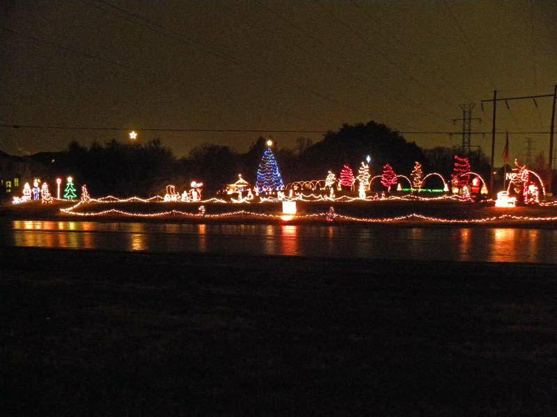Woodbridge VA Christmas Lights B