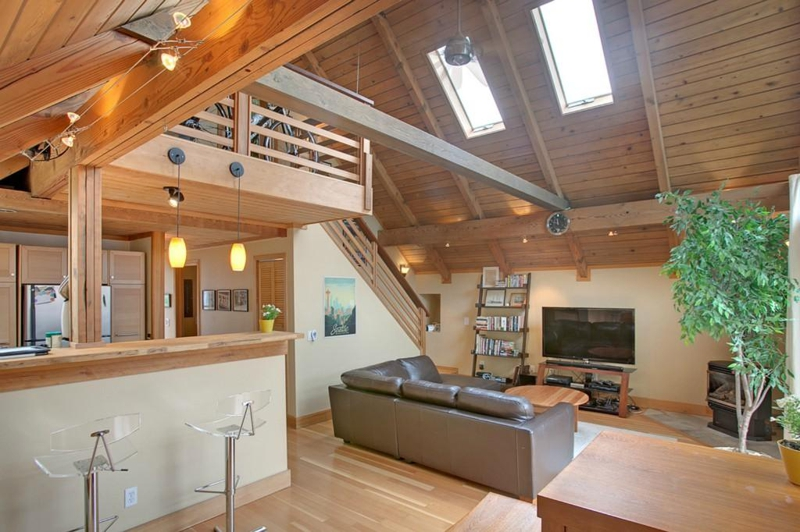 Beautiful seattle floating homes for sale here is a gorgeous one - Floating house seattle ...