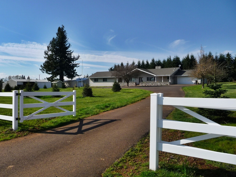 Lacomb oregon real estate for sale 63 acres with home for Country homes with acreage for sale