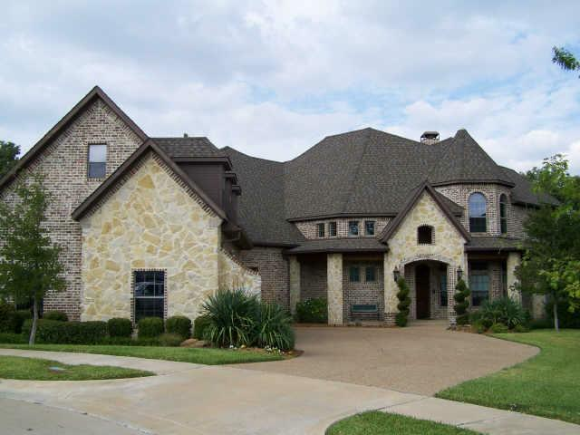 1209 Winding Brook Drive Garland Texas