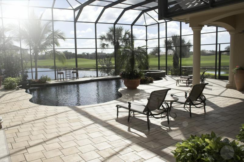 Advantages and disadvantages of lanai sunlight exposures for Florida lanai designs