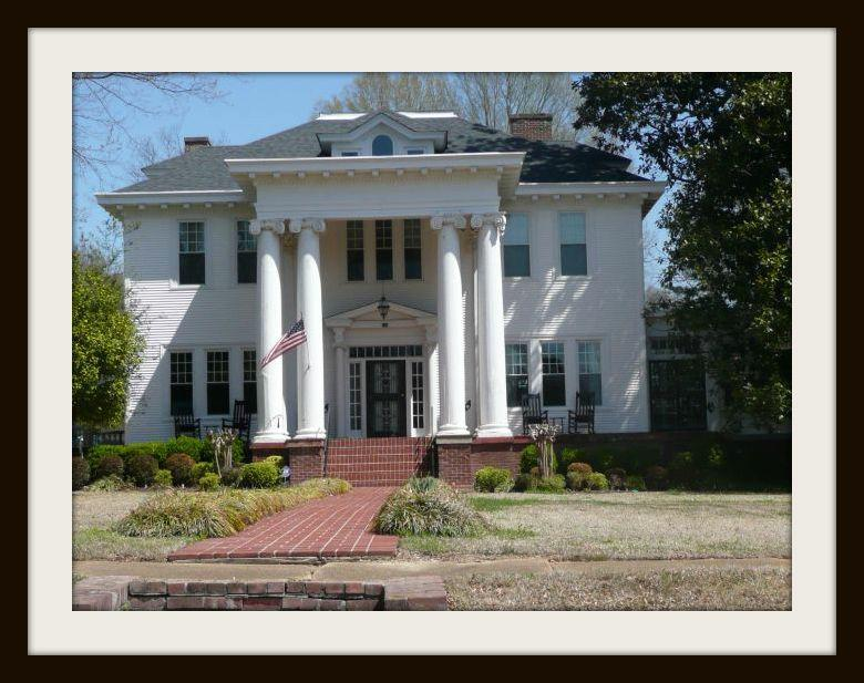 Experience the Historic District of Como MS on old southern plantations, old slavery plantations, old florida plantations, beaufort south carolina old plantations, old new orleans plantations, old savannah plantations, old hawaii plantations, old natchez plantations,