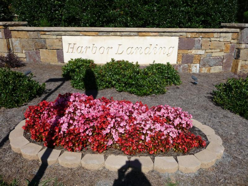Entrance to Harbor Landing Subdivision in Lake Norman