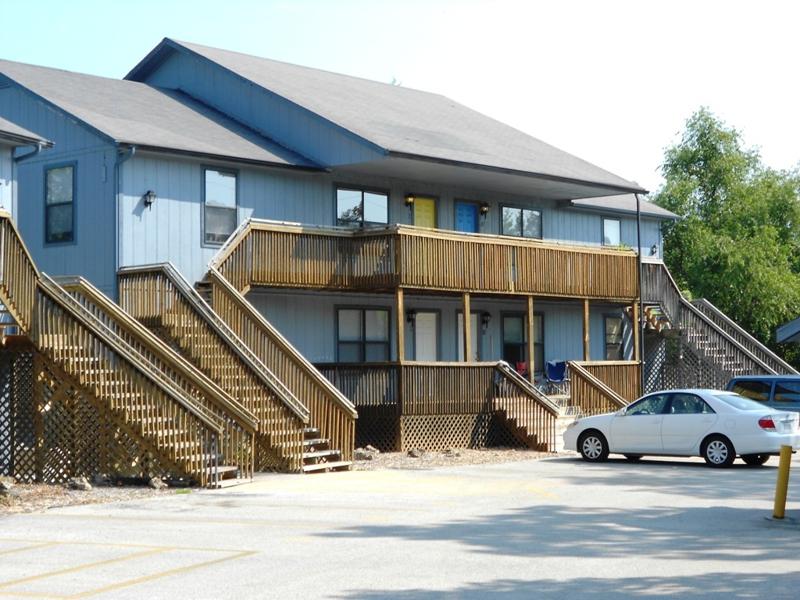Branson 12 unit Apartment Building for Sale