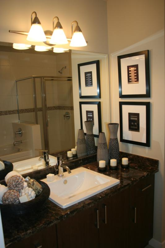Staged bathrooms don 39 t need much for Staging bathroom ideas