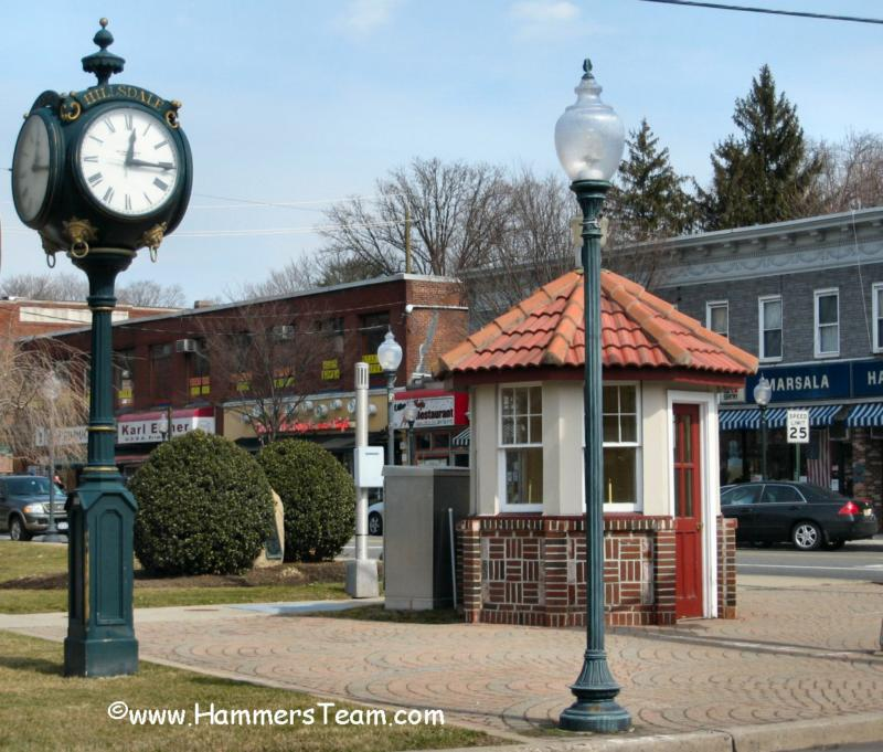 Hillsdale Traffic Booth and Clock
