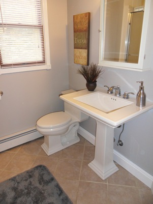 Bathroom Afer a Kate's Home Staging Redesign