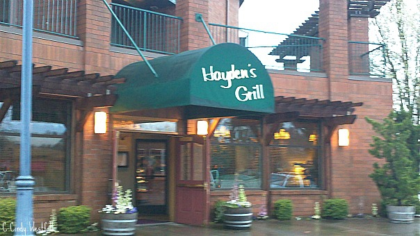Hayden's Lakefront Grill in Tualatin Oregon