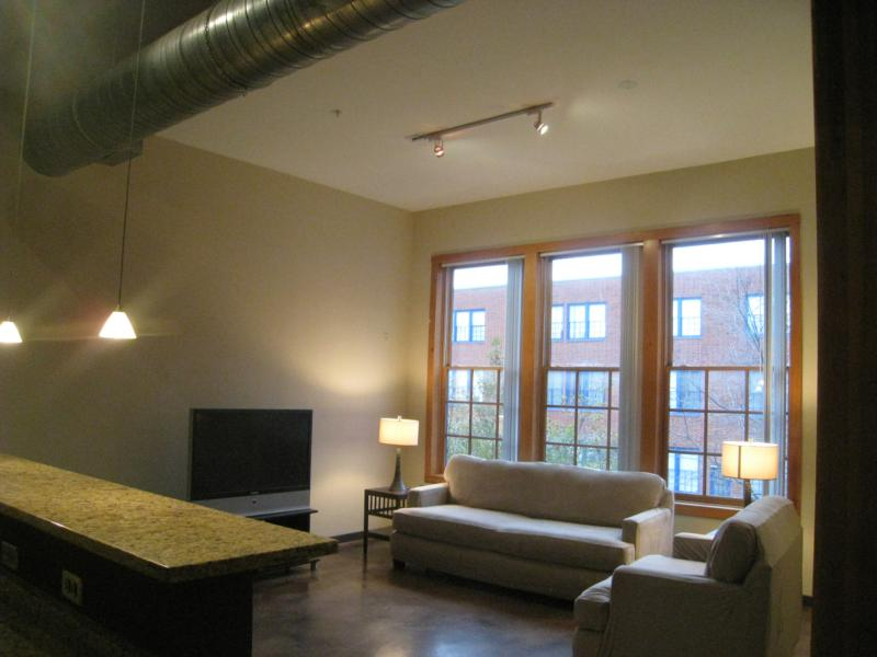some of the benefits of living at live oak lofts dallas tx include
