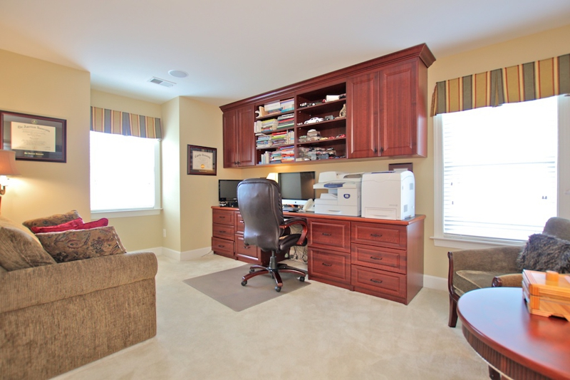 3807 Bell Manor Ct Falls Church Virginia 3rd bedroom/office