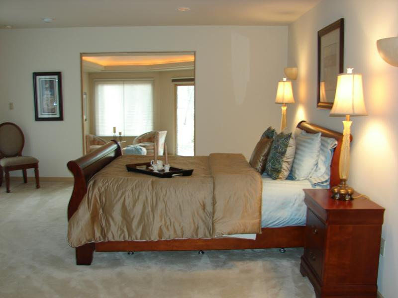 a home staging expert adds the wow factor that buyers are looking for. Black Bedroom Furniture Sets. Home Design Ideas