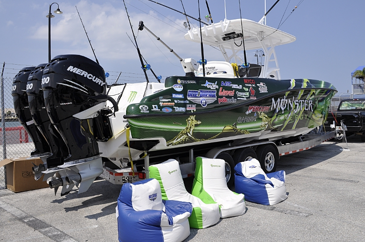 Fridayu0026#39;s Fotos - Monster Powered Fishing Boat with Bean ...