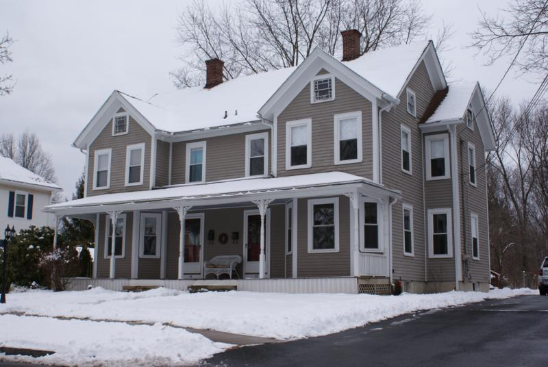 Multi family homes in enfield connecticut for Family home builders
