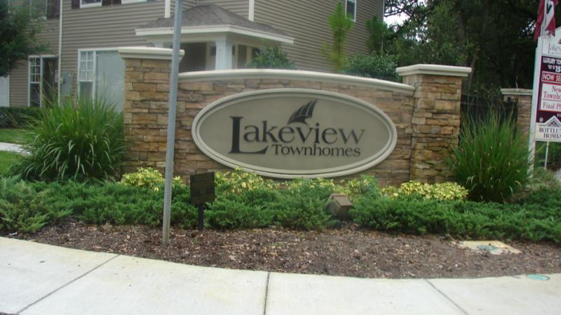 - Lakeview Townhomes Seffner Florida