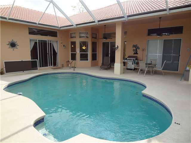 Homes For Sale With a Pool in Wellington FL for $200K-$400K