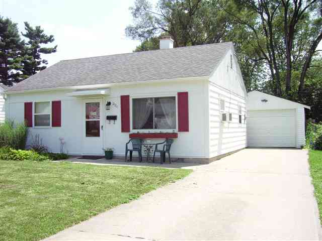 Lafayette In 2 Bedroom Home For Sale With Garage Near Vinton School