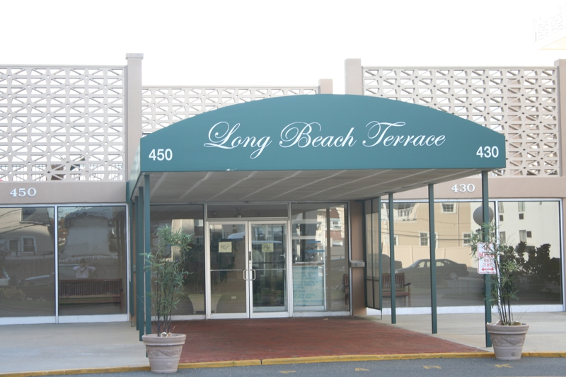 Long beach Terrace Entrance