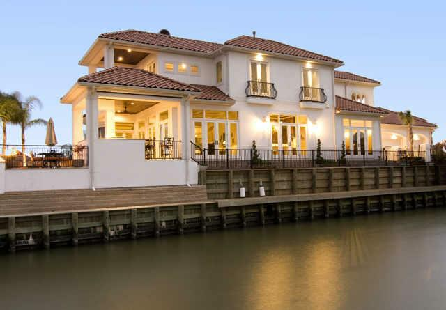 105 Blue Water Way - Kemah, Texas (Houston)
