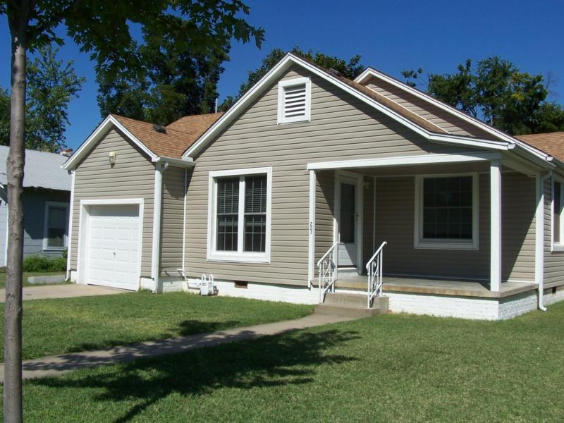 TU campus home: 227 S College Avenue
