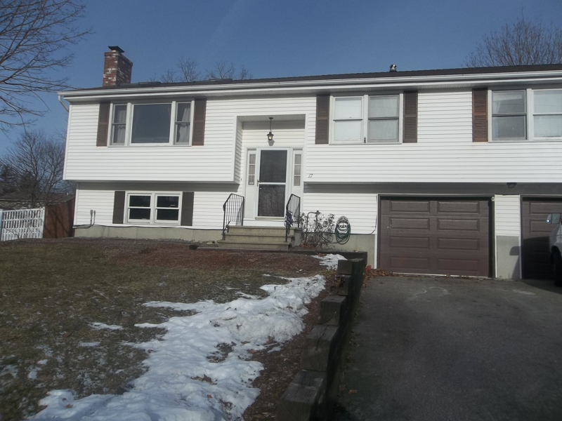 New Listing Beautiful Split Level Home In Great Location
