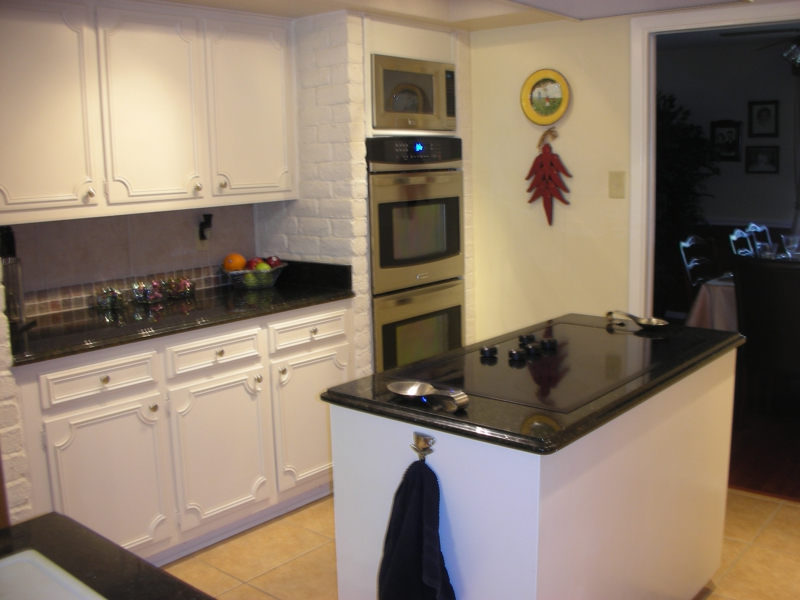 Island Kitchen at Whispering Oaks