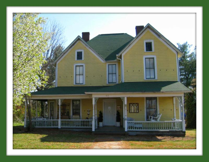 Historic victorian for sale hickory nc only 148000 for Home builders in hickory nc