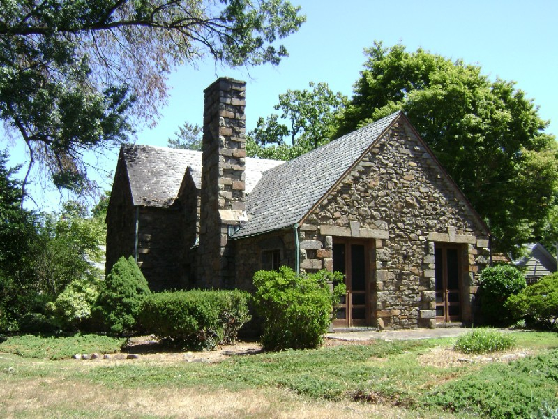 Stone House in Woodside Park