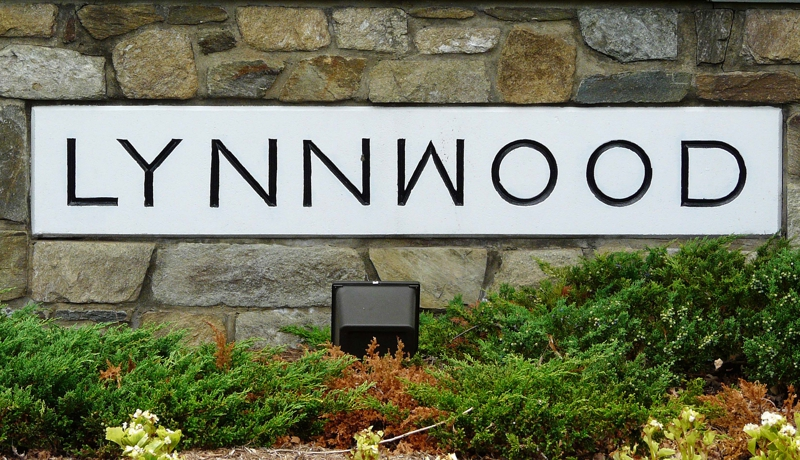 Lynnwood entry sign