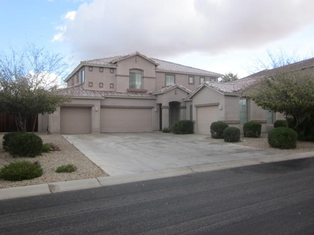 5 Bedroom Home for Sale in San Tan Valley - Bank Owned Homes in San Tan Valley