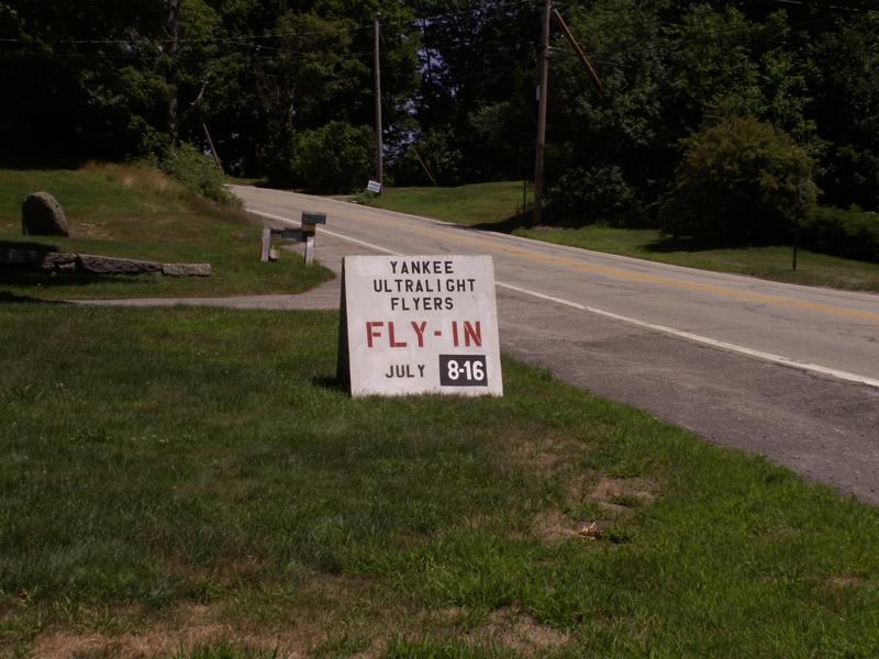 Yankee Ultralight Sign