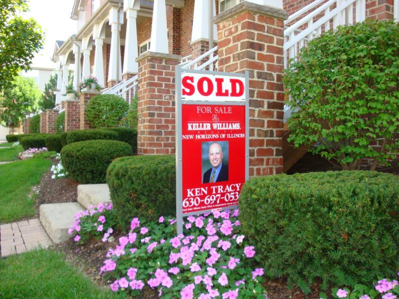 Ken sells homes