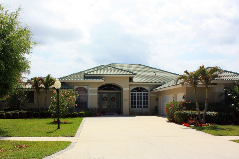 4 Bedroom 3 5 Bath Jupiter Florida Pool Home For Sale 499 900