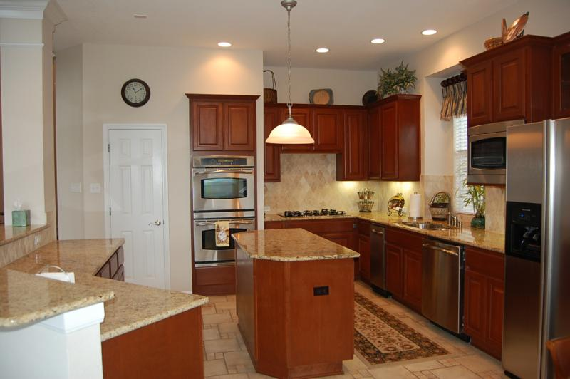 Austin tx home for sale 10400 tularosa pass canyon for Kitchen remodeling round rock