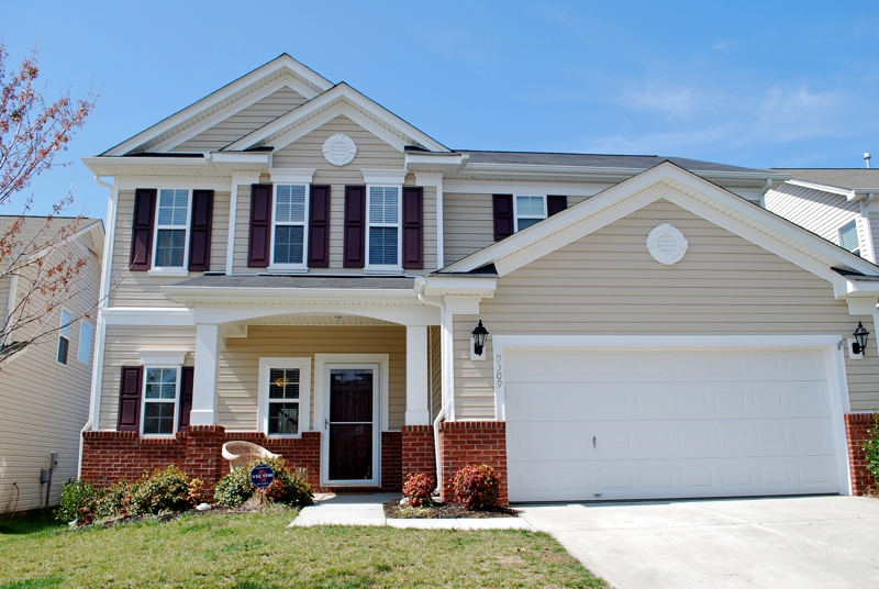 Incredible 3 bedroom home for sale in berewick charlotte for Charlotte house