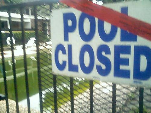 Pool Closed due to algae!