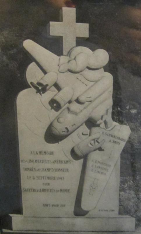 Monument - Champigny sur Yonne