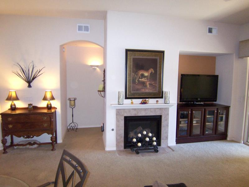 luxury 2 bedroom condo in sovanna at scottsdale country
