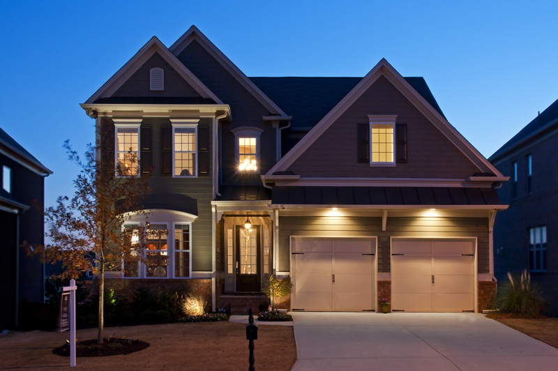 Twilight exterior shot of a home for sale in Smyrna, GA by Atlanta Real Estate Photographer Iran Watson
