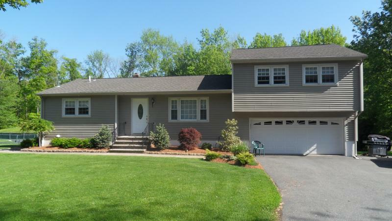 Open House In Montville New Jersey Sunday June 6th And Move Right Into This Updated  Bath Split
