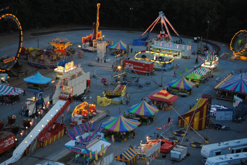 2010 North Tennessee State Fair Midway - Photo by Roland Woodworth
