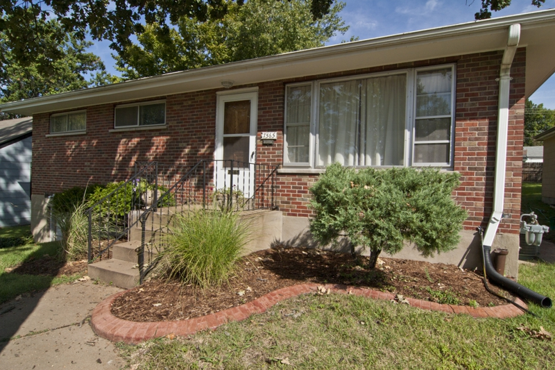 7565 Flora Avenue Maplewood MO