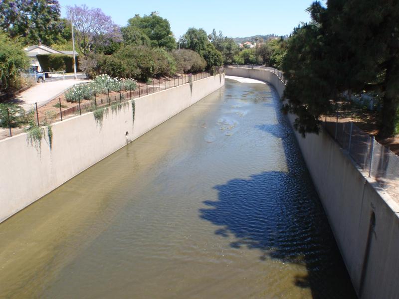 more views of the concrete LA River