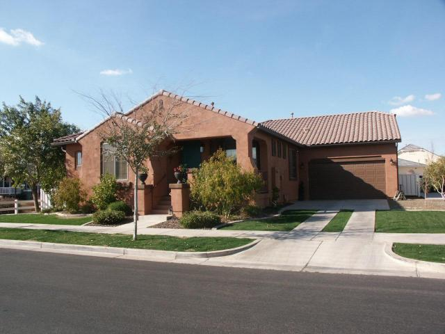 community pool homes for sale in agritopia gilbert az