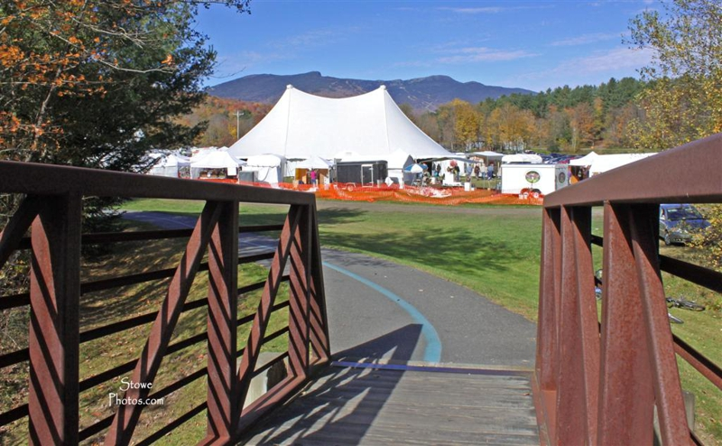 Stowe vermont foliage arts festival for Mansfield arts and crafts show