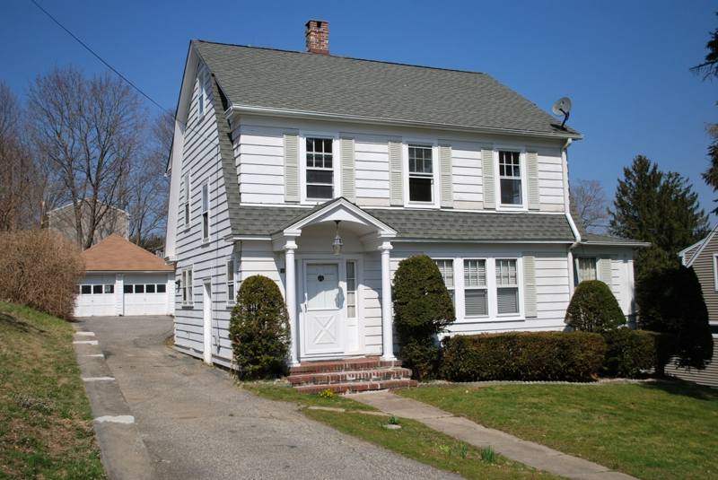Great Danbury home in Convenient Location