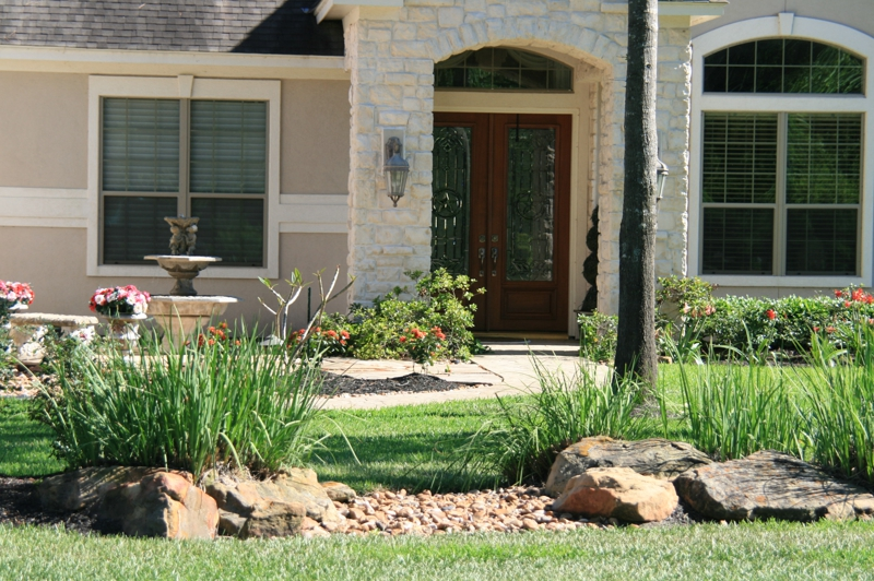 Front entry in Spring TX