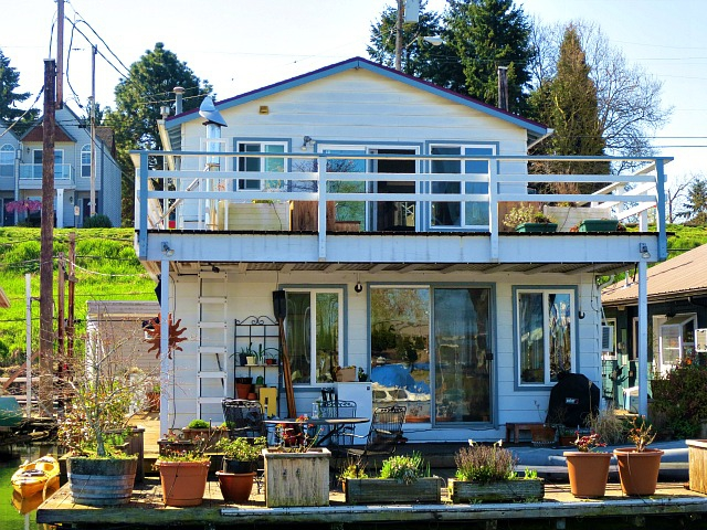 Portland floating home for sale 173 ne bridgeton rd Portland floating homes