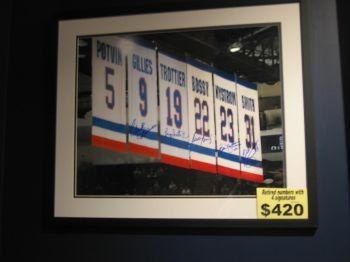 New York Islanders Store Broadway Mall