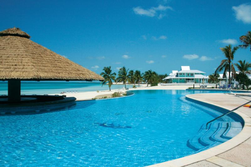 Chub cay club marina for Private island bahamas resort